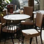 Betriebshaftpflichtversicherung Gastronomie: Stuhl